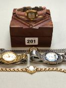 FIVE VARIOUS WATCHES CONTAINED IN A SMALL INLAID BRASS AND WOODEN BOX TO INCLUDE QUARTZ WATCHES BY