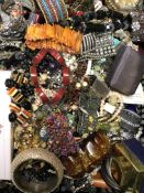 A GOOD SELECTION OF LADIES COSTUME JEWELLERY.