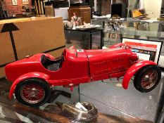 A POCHER SCALE MODEL OF A 1930S RED ALFA ROMEO. W 50cms.