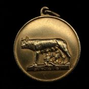 AN 18ct GOLD ROMAN MYTHOLOGY REMUS MEDALLION, MILITARY, NAVEL AND AIRFORCE. PRESENTED TO COLONEL L