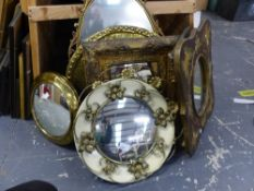 A GROUP OF SMALL RETRO AND DECORATIVE MIRRORS, INCLUDING THREE CONVEX MIRRORS, SIZES VARY.