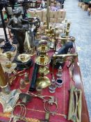 ART NOUVEAU STYLE BRASS CANDLE STAND, A SIMILAR STYLE FIGURINE, OTHER BRASS CANDLESTICKS AND METAL