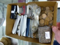 AN ELECTROTYPE BOX TOGETHER WITH LARGELY BRITISH COINS TO INCLUDE 1819 +1889 CROWNS.