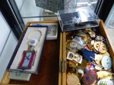 A COLLECTION OF ENAMEL AND OTHER BADGES TOGETHER WITH VARIOUS MEDALS.