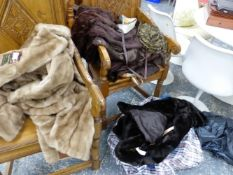 A QUANTITY OF VINTAGE FUR AND FAUX FUR COATS AND VARIOUS BAGS ETC.