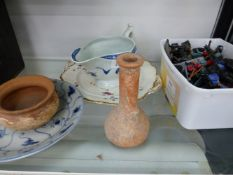 A CHINESE BLUE AND WHITE SHALLOW DISH, TERRACOTTA VESSELS, AND A WORCESTER SAUCE BOAT.