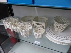 VARIOUS ANTIQUE BASKET WARE PLATES AND BASKETS.