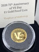 A 2020 75th ANNIVERSARY OF VE DAY £1 GOLD PROOF COIN. 22ct GOLD, 22mm DIAMETER, OBVERSE QUEEN