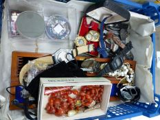 A BOX CONTAINING VINTAGE QUARTZ WATCHES, JEWELLERY, HAT PINS, POCKET KNIVES ETC.