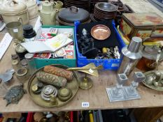 A VICTORIAN COPPER KETTLE, A 1960'S TABLE LAMP, PLAYING CARDS, ORNAMENTS ETC.