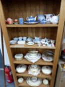 A WEDGWOOD ART DECO PART DINNER SERVICE, OTHER ORNAMENTAL CHINA WARES AND THREE TABLE LAMPS.