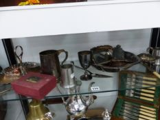 PEWTER MUGS AND A SMALL COLLECTION OF ELECTROPLATE