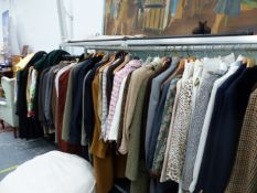A LARGE COLLECTION OF VINTAGE AND MODERN LADIES AND GENTS CLOTHING TO INCLUDE BURBERRYS, AQUASCUTEN,