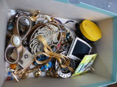 A COLLECTION OF MAINLY VINTAGE COSTUME JEWELLERY ETC.