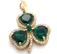 A 9ct YELLOW GOLD HALLMARKED SHAMROCK THREE LEAF CLOVER LARGE HYDROTHERMAL EMERALD AND DIAMOND