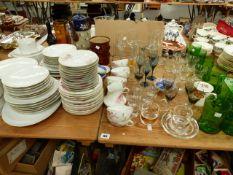 A GERMAN PART DINNER SERVICE, A PART TEA SET AND VARIOUS GLASSWARES.