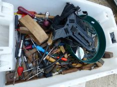 A BOX OF VARIOUS WOOD WORKING TOOLS, ETC.