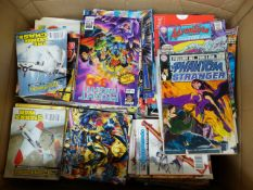 A LARGE BOX OF APPROXIMATELY 400 COMICS TO INCLUDE BEANO, COMMANDO, EAGLE, AND DC COMICS ETC.