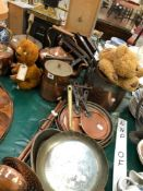 A QUANTITY OF ANTIQUE AND LATER COPPER WARES.