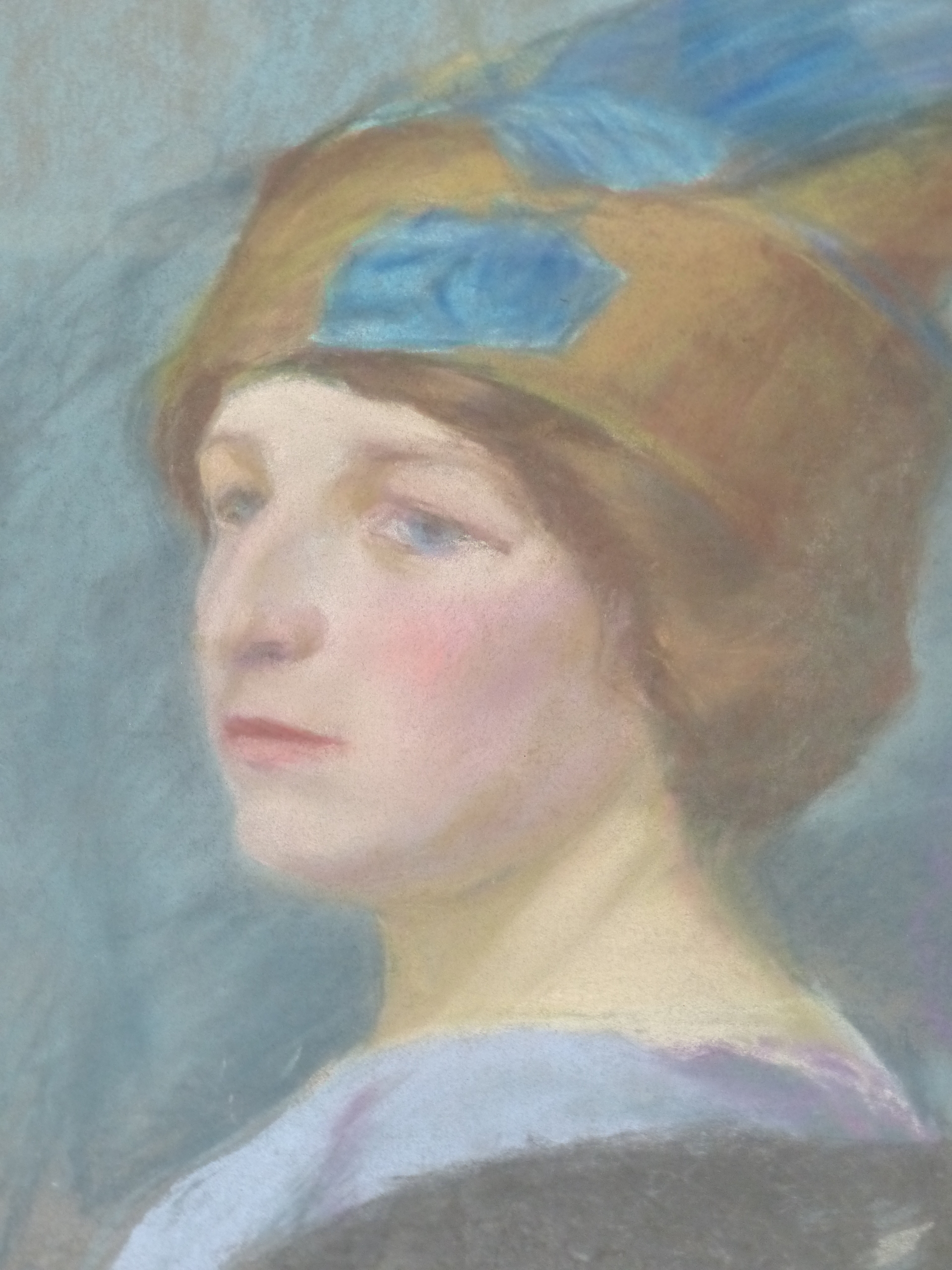 19th/20th C. CONTINENTAL SCHOOL, PORTRAIT OF A FASHIONABLE LADY, SIGNED INDISTINCTLY AND DATED