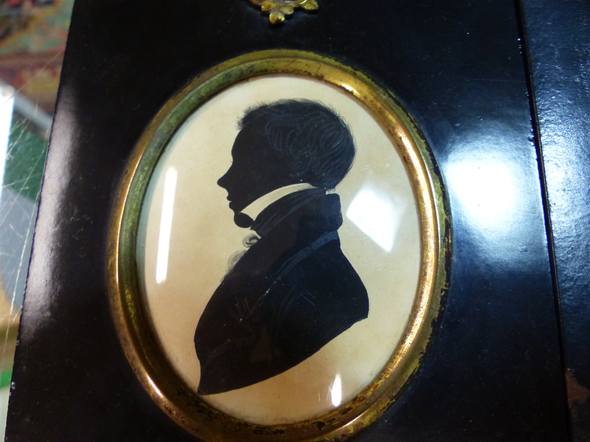 TWO OVAL SILHOUETTES, ONE OF A YOUNG MAN AND THE OTHER OF A CHILD CALLED MARY WITH GILT DETAILING. - Image 3 of 4