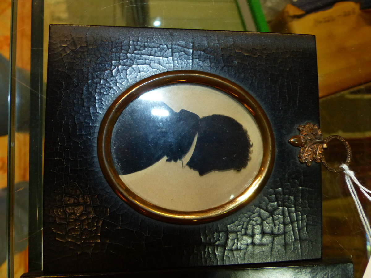 TWO OVAL SILHOUETTES ON GLASS, ONE LABELLED VERSO MRS THOS HYAM, THE OTHER MR C. DAWSON - Image 4 of 5