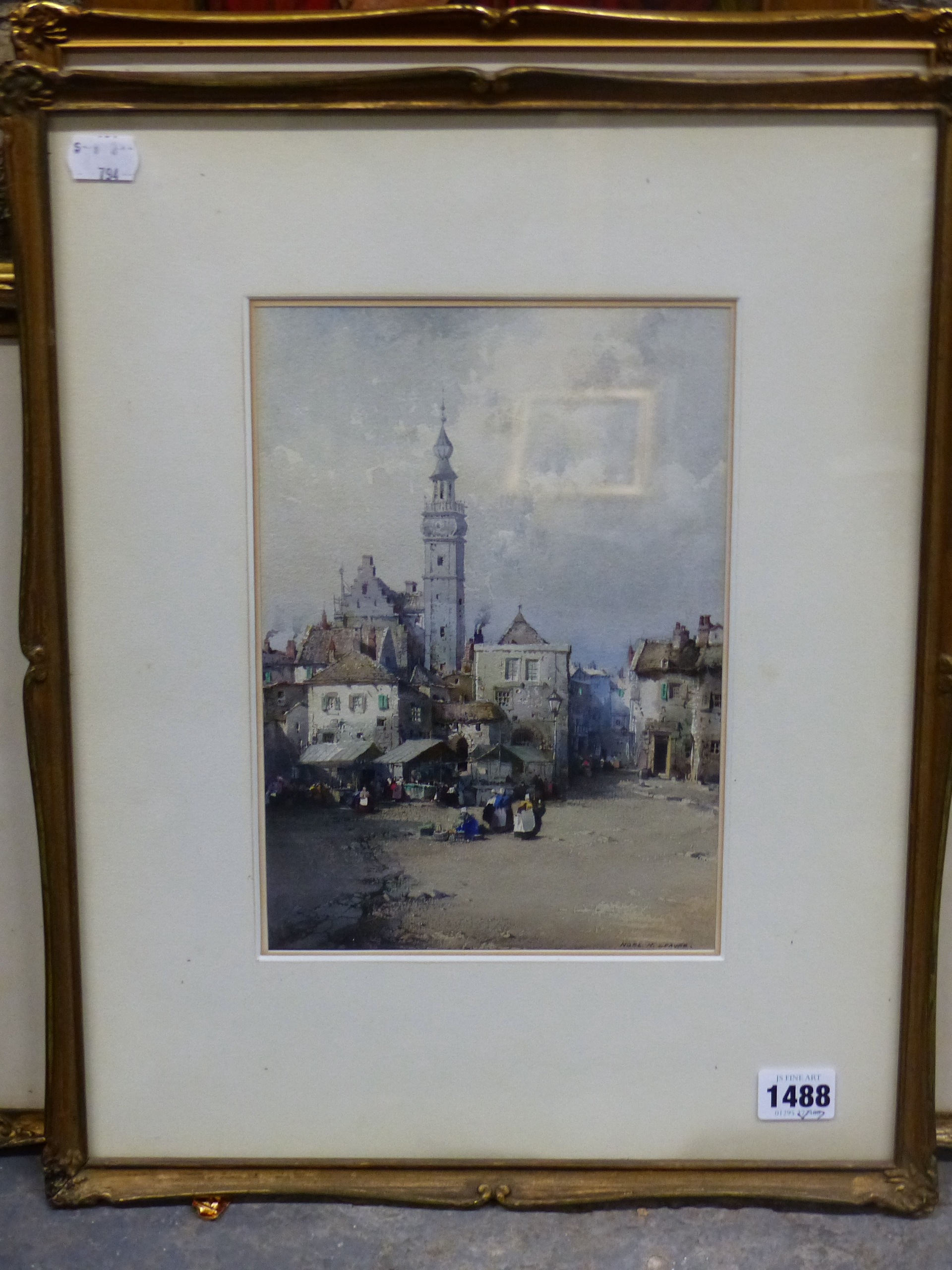 NOEL H LEAVER (1889-1951) A PAIR OF TOWN SCENES, SIGNED WATERCOLOURS. 26 x 18 cm (2) - Image 2 of 9