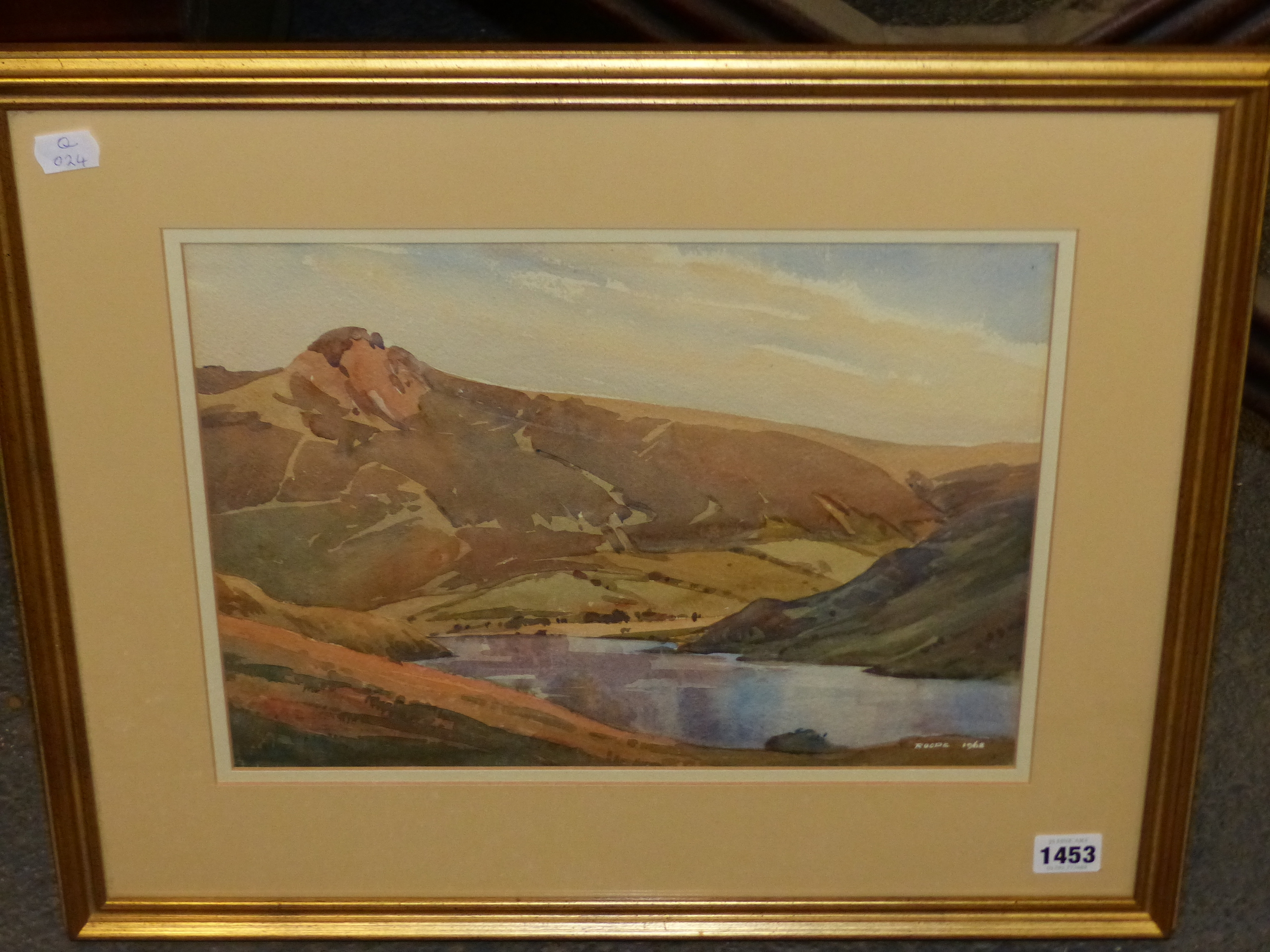 ROOPE? (20th CENTURY SCHOOL). A HIGHLAND LAKE LANDSCAPE, WATERCOLOUR, SIGNED AND DATED, 26 x 35cms. - Image 4 of 5