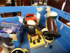 A QUANTITY OF WALLACE AND GROMIT TOYS.
