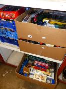 A LARGE QUANTITY OF DIECAST VEHICLES INCLUDING CORGI, LLEDO AND OTHERS