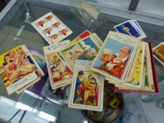 A QUANTITY OF VINTAGE HUMOROUS AND SAUCY POSTCARDS.