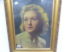 20TH CENTURY CONTINENTAL SCHOOL, PORTRAIT OF A LADY, SIGNED INDISTINCTLY, OIL ON CANVAS, 42 x 31cm