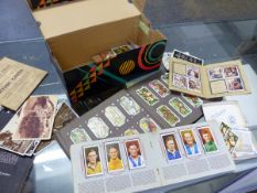 VINTAGE CIGARETTE CARDS, AND OTHER COLLECTORS CARDS.