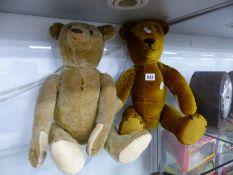 TWO VINTAGE TEDDY BEARS