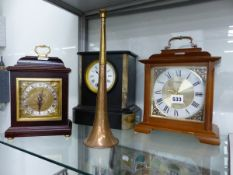 THREE VARIOUS CLOCKS TO INCLUDE ONE IN A BLACK SLATE CASE TOGETHER WITH A COPPER HUNTING HORN