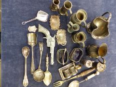 A QUANTITY OF HALLMARKED SILVER, PEWTER, SILVER PLATED WARES, TO INCLUDE WINE LABELS, MINIATURES,