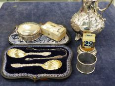 A VICTORIAN HALLMARKED SILVER SMALL JUG DATED 1847 LONDON TOGETHER WITH A HALLMARKED SILVER SPOON