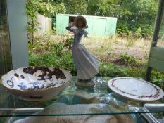 A ROYAL WORCESTER NUMBER 204 BLACK AND GILDED MYTHICAL BOWL, TOGETHER WITH A LLADRO FIGURINE AND