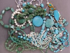 A QUANTITY OF TURQUOISE AND GREEN AVENTURINE JEWELLERY