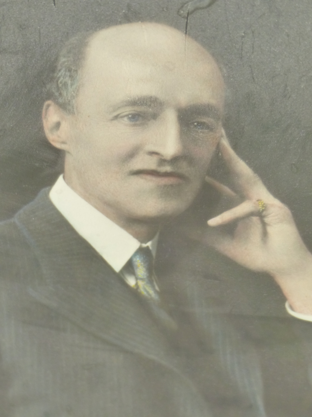 A VINTAGE PHOTOGRAPHIC PORTRAIT OF GEORGE POOLE FORES. 37 x 25cms