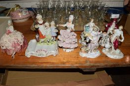 YARDLEYS LAVENDER POTTERY GROUP TOGETHER WITH FURTHER PORCELAIN FIGURINES