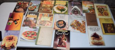 Box: 20 assorted cookery