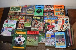 Box: approx 21 vintage football interest, annuals etc