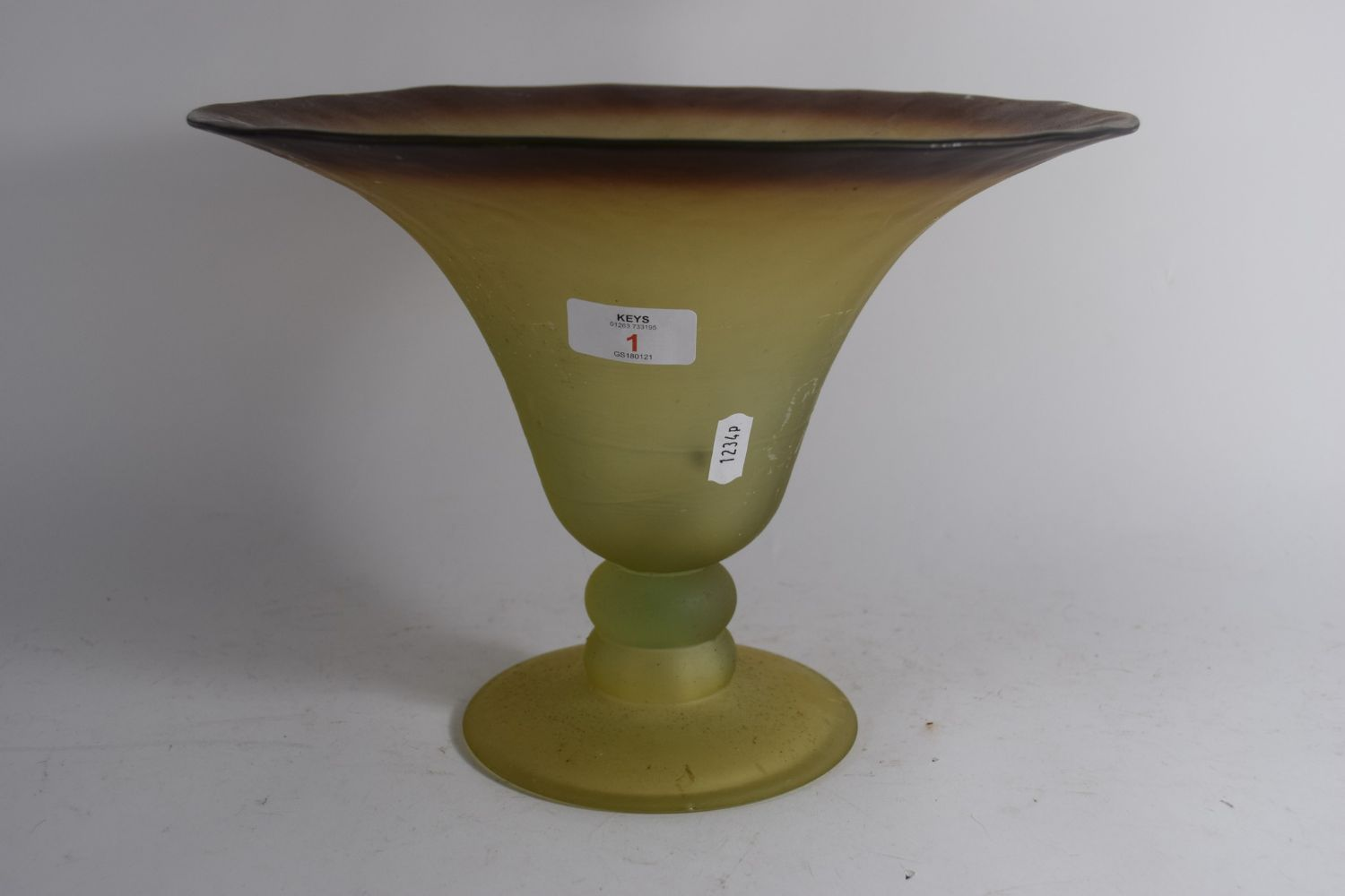 Online Auction inc Antique & Modern Furniture, Antiques & Collectables, and more