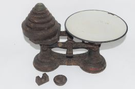 SET OF WEIGHTS AND SCALES