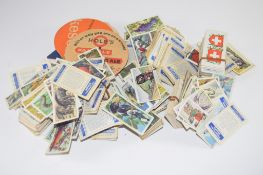 QUANTITY OF CIGARETTE CARDS AND BEER MATS