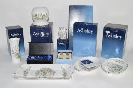 AYNSLEY WARES INCLUDING VASES IN THE WILD TUDOR PATTERN AND OTHER ITEMS