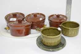 CERAMIC KITCHEN WARES INCLUDING FOUR BROWN GLAZED DISHES