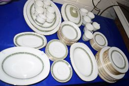 PART DINNER SERVICE BY ROYAL DOULTON IN THE RONDELAY PATTERN COMPRISING 12 DINNER PLATES, SIDE