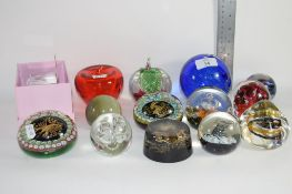 PAPERWEIGHTS INCLUDING TWO MURANO EXAMPLES WITH SIGNS OF THE ZODIAC, AND GUERNSEY ISLAND STUDIO